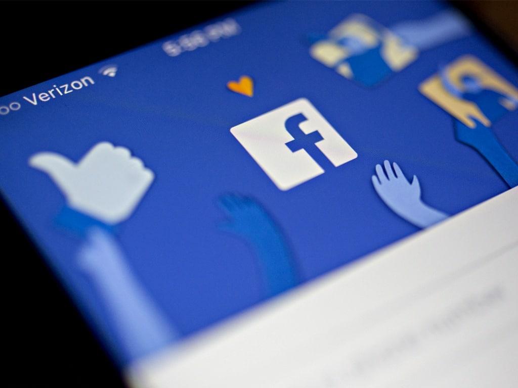 Cómo publicar en un grupo de facebook desde una página